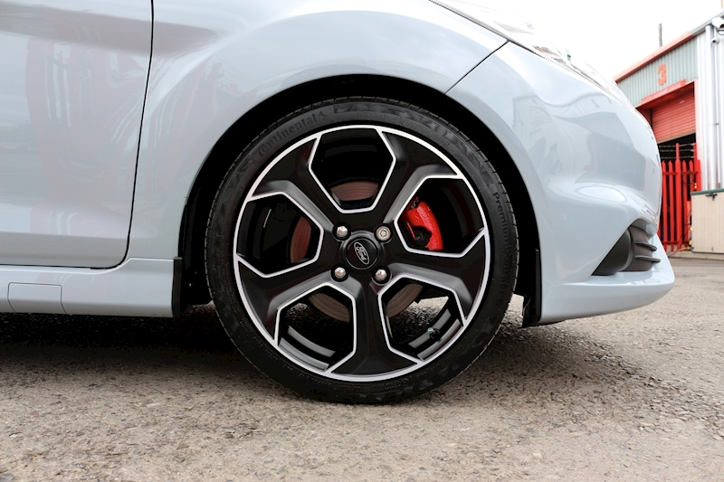 Ford Fiesta St200 - Large 7