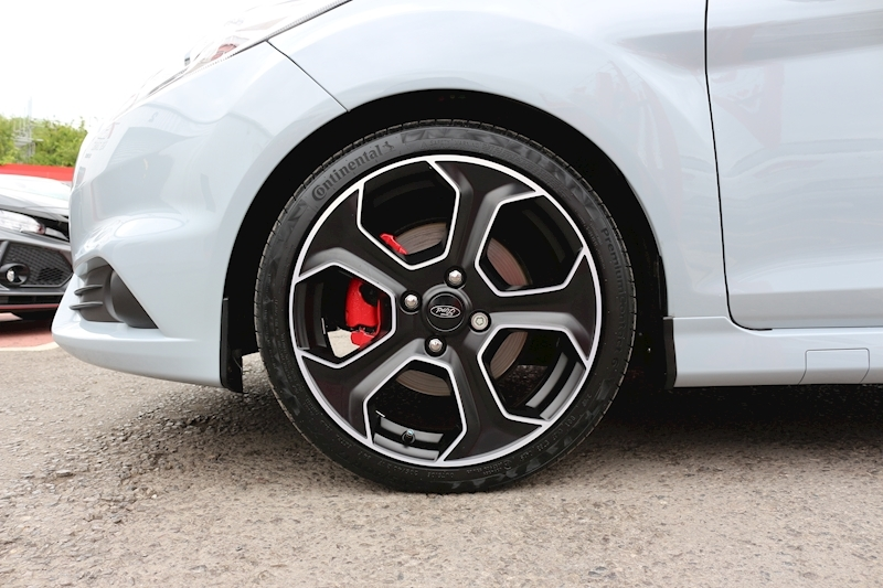Ford Fiesta St200 - Large 13