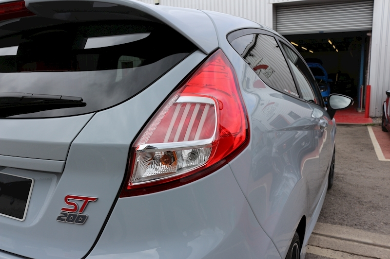 Ford Fiesta St200 - Large 20