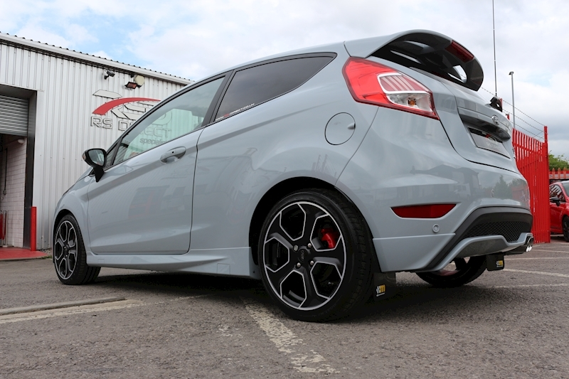 Ford Fiesta St200 - Large 23