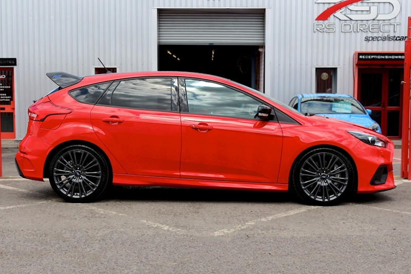 Ford Focus Rs Red Edition - Large 3