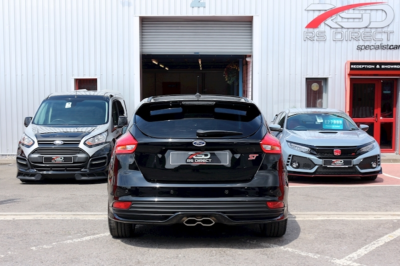 Ford Focus St-3 - Large 29