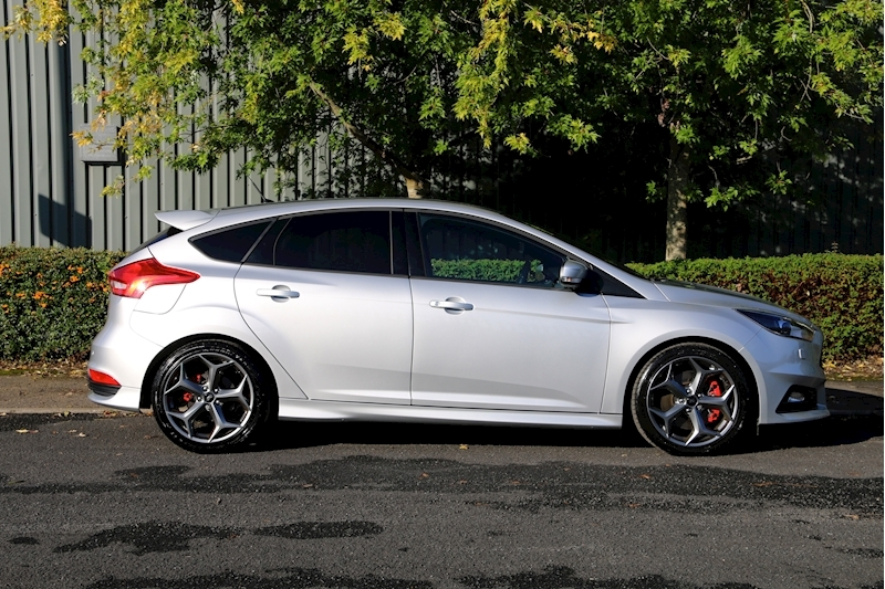 Ford Focus St-3 - Large 3