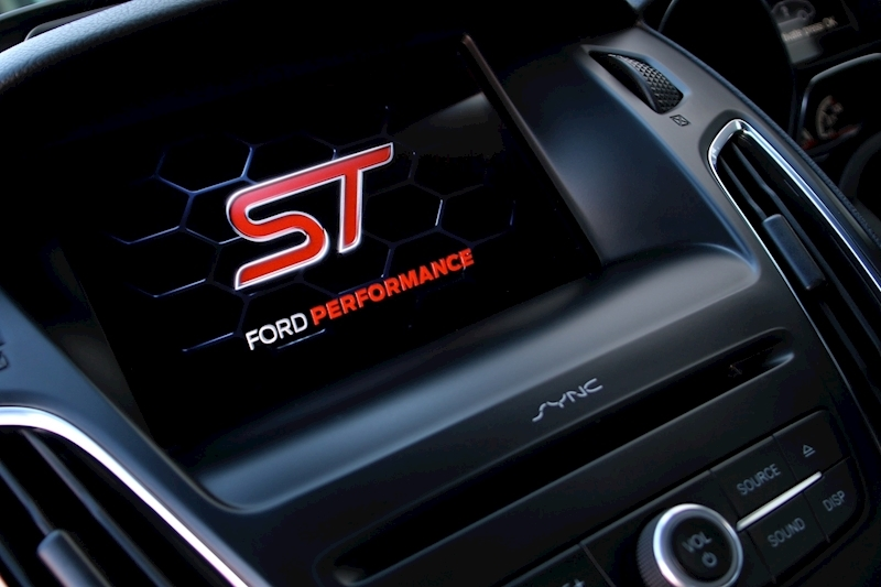 Ford Focus St-3 - Large 17