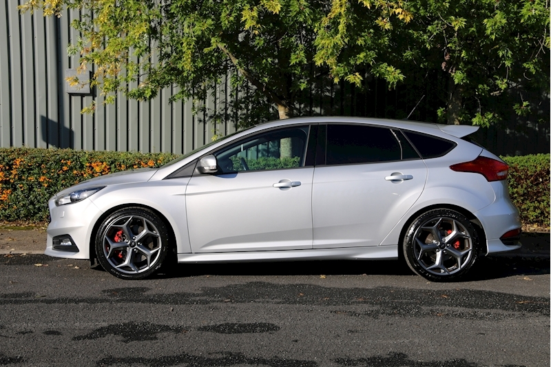 Ford Focus St-3 - Large 21