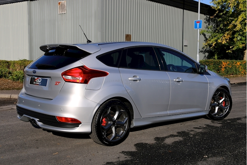 Ford Focus St-3 - Large 22