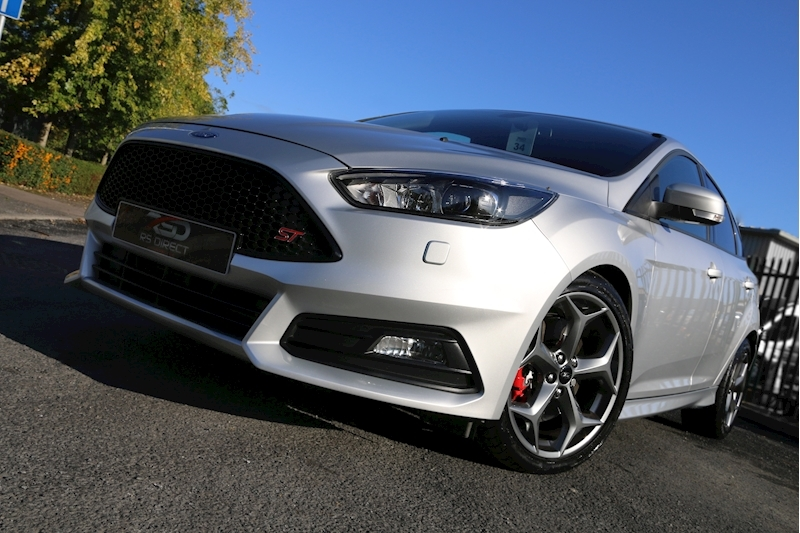 Ford Focus St-3 - Large 26