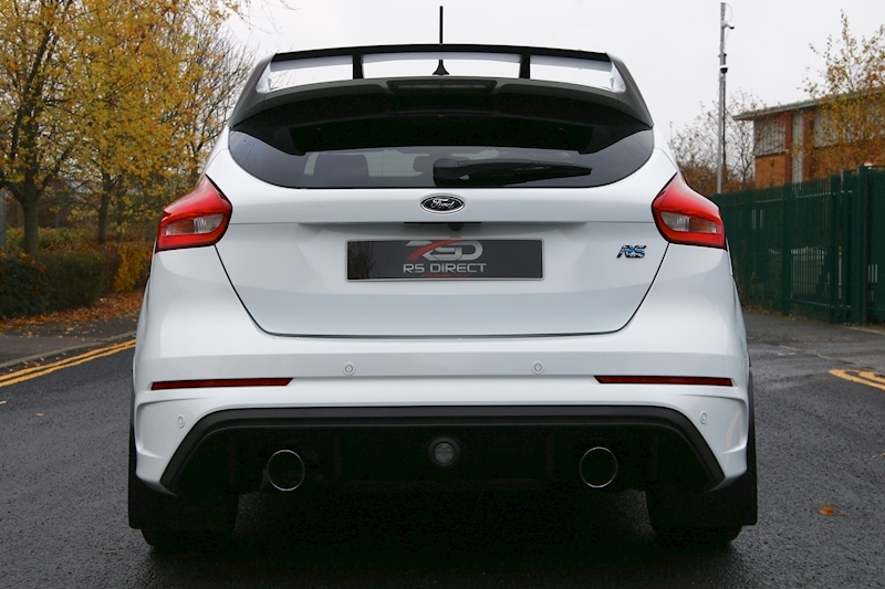 Ford Focus RS - Large 28