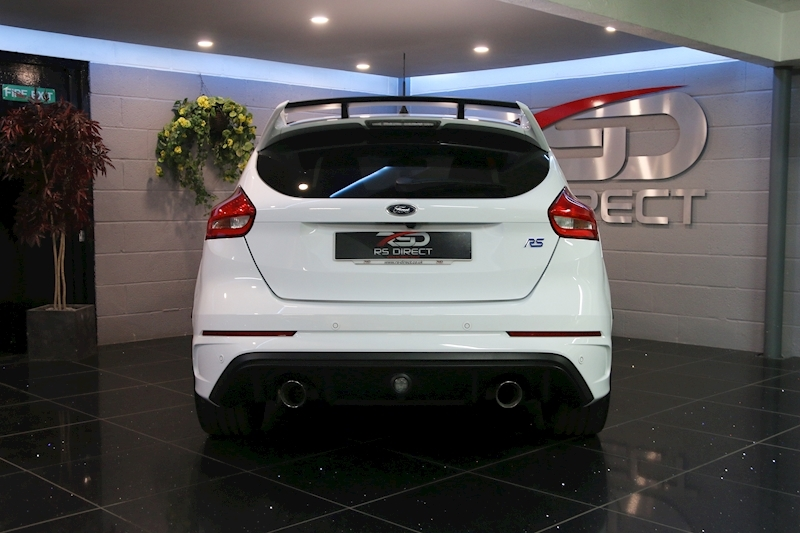 Ford Focus Rs - Large 12
