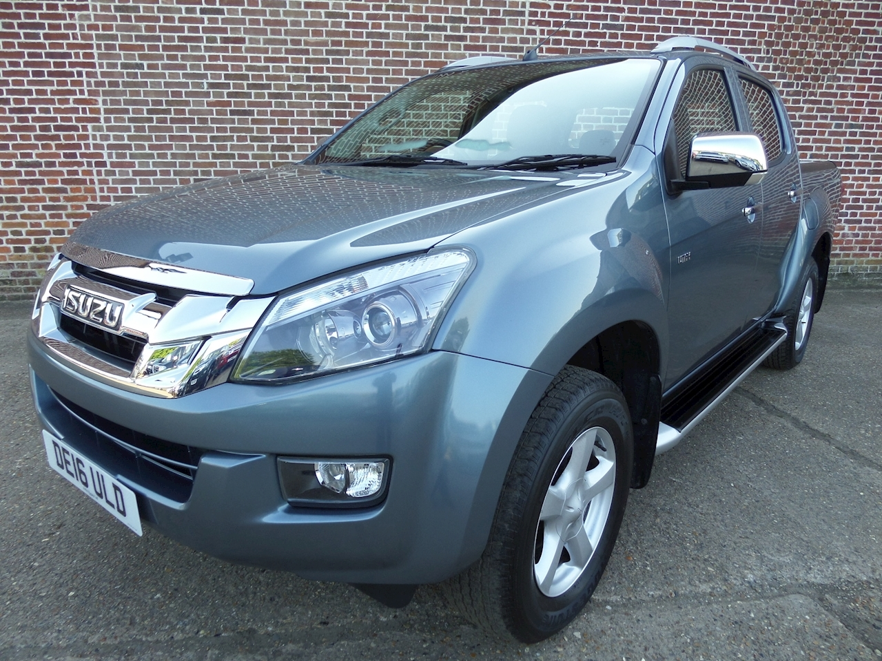 Isuzu D-Max Td Utah Dcb 2.5 4dr Pick-Up Manual Diesel