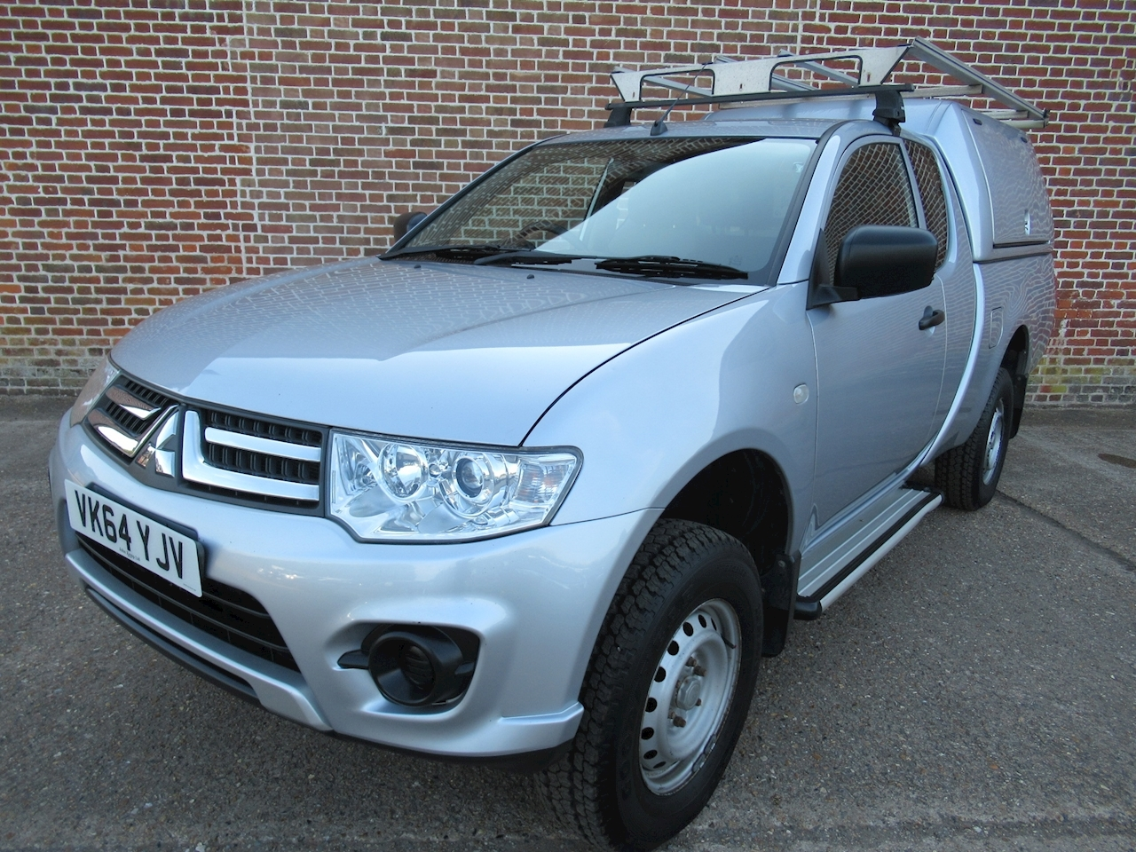 Mitsubishi L200 L200 4Life Club Cab Di-D 2.5 4dr Pick-Up Manual Diesel