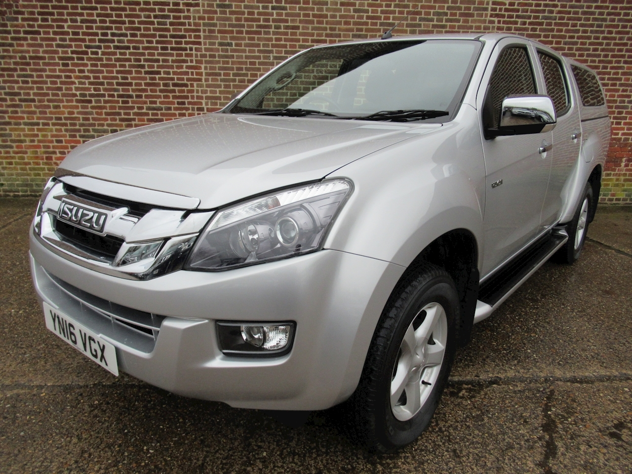 Isuzu D-Max Td Yukon Dcb 2.5 4dr Pick-Up Manual Diesel