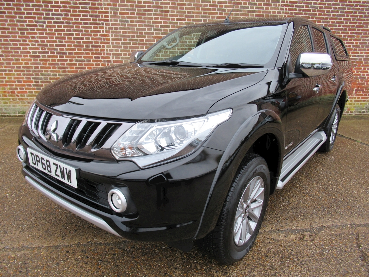 Mitsubishi L200 Di-D 4Wd Warrior Dcb 2.4 4dr Pick-Up Manual Diesel