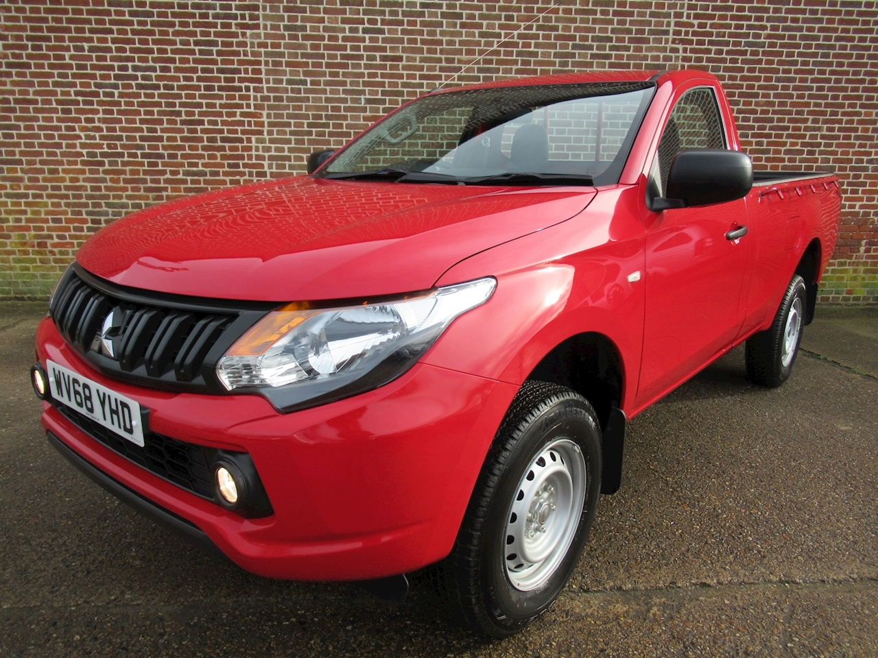 Mitsubishi L200 Di-D 4Wd 4Life S/C 2.4 2dr Pick-Up Manual Diesel