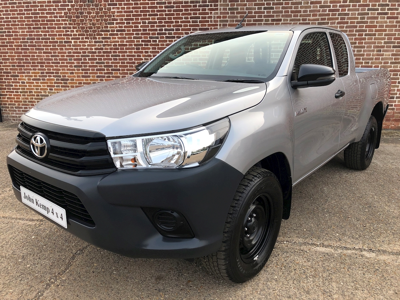 Toyota Hilux Active 4Wd D-4D Ecb 2.4 4dr Pick Up Manual Diesel