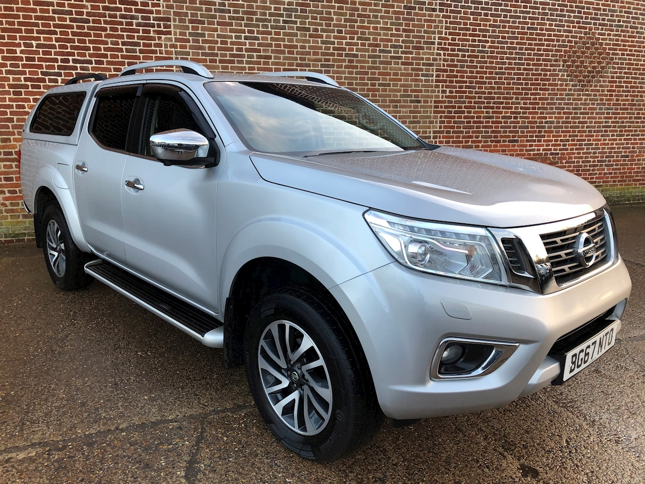 2.3 dCi Tekna Double Cab Pickup 4dr Diesel Auto 4WD (190 ps)