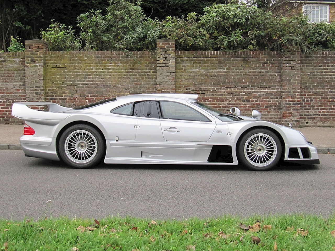 used mercedes clk gtr silver. Black Bedroom Furniture Sets. Home Design Ideas