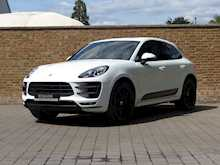 Porsche Macan Turbo - Thumb 3