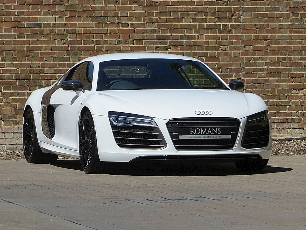 2013 used audi r8 v10 plus ibis white. Black Bedroom Furniture Sets. Home Design Ideas
