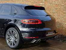 Porsche Macan Turbo - Thumb 17