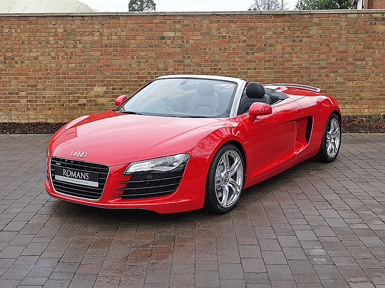 2011 used audi r8 spyder brilliant red. Black Bedroom Furniture Sets. Home Design Ideas