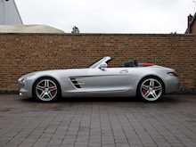 Mercedes-Benz SLS AMG Roadster - Thumb 9