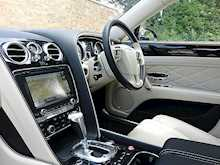 Bentley Flying Spur V8 - Thumb 17