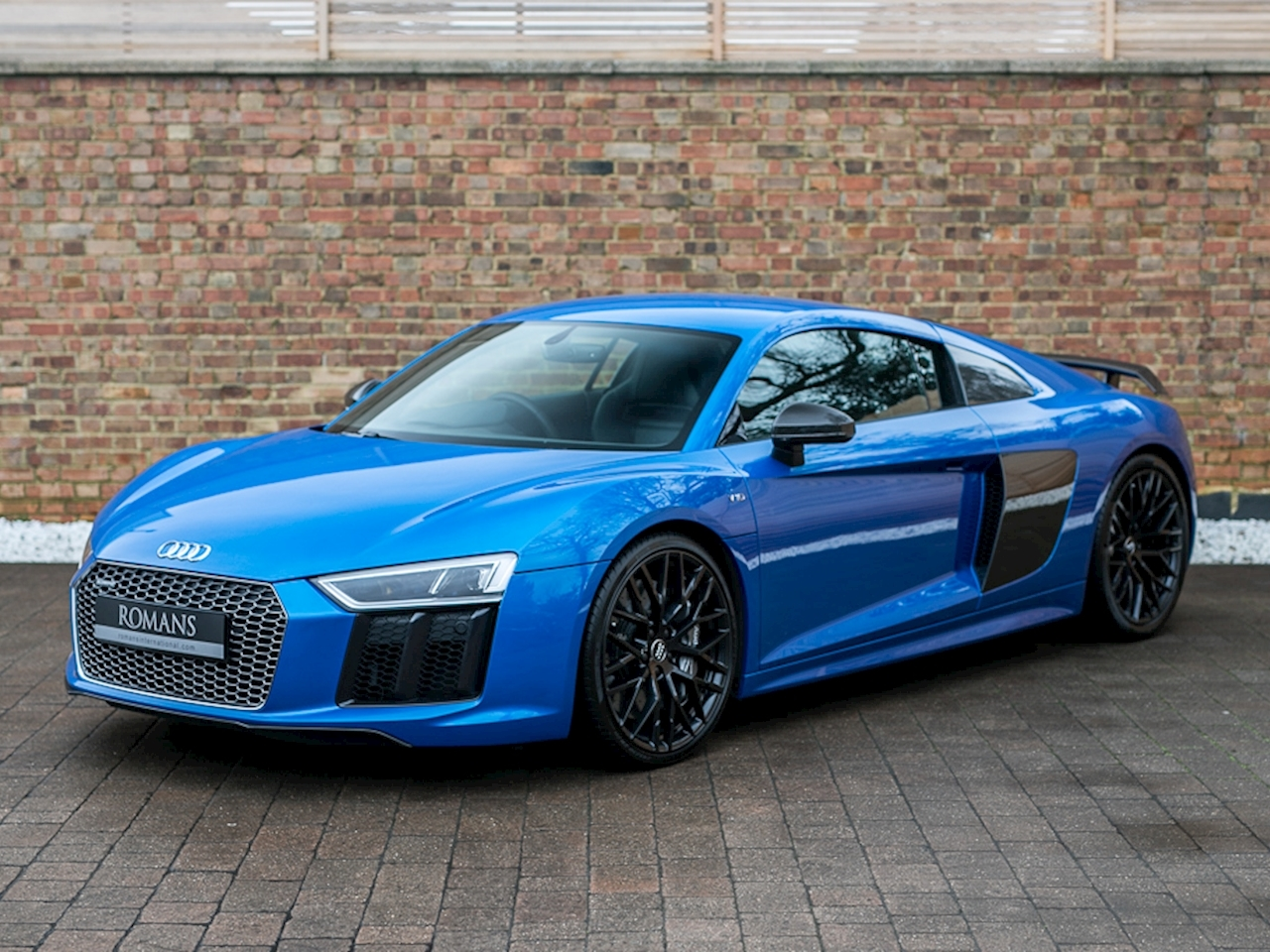 2015 used audi r8 v10 plus ara blue. Black Bedroom Furniture Sets. Home Design Ideas