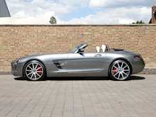 Mercedes-Benz SLS AMG GT Roadster - Thumb 22