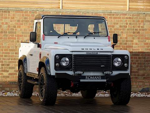 Land Rover Defender Bowler Edition