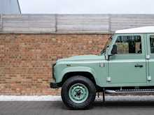 Land Rover Defender 110 Heritage Station Wagon - Thumb 24