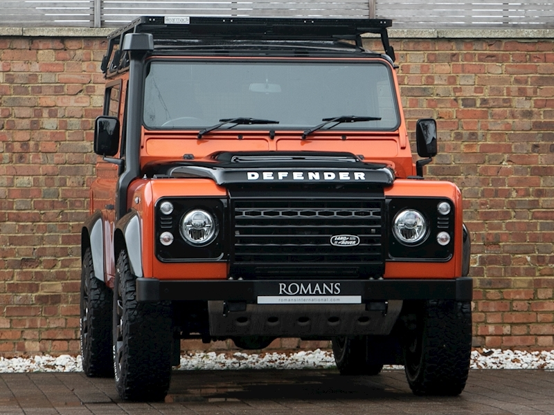 Defender 90 Adventure 4x4 2.2 Manual Diesel