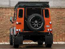 Land Rover Defender 90 Adventure - Thumb 2