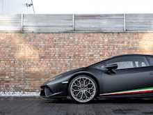 Lamborghini Huracan LP640-4 Performante - Thumb 19