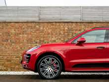 Porsche Macan Turbo Performance Pack - Thumb 26