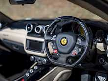 Ferrari California T HS - Thumb 11
