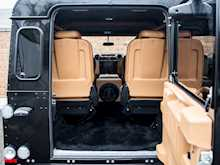 Land Rover Defender 90 XS Bowler - Thumb 30