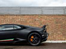 Lamborghini Huracan LP640-4 Performante - Thumb 24
