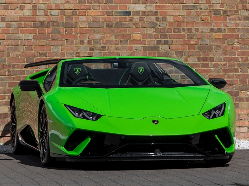 Huracan Lp 640-4 Performante Spyder Convertible 5.2 Semi Auto Petrol