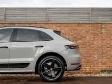 Porsche Macan Turbo - Thumb 28
