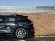 Porsche Cayenne Turbo - Thumb 29