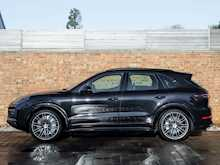Porsche Cayenne Turbo - Thumb 1
