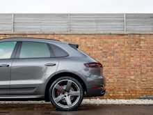 Porsche Macan Turbo - Thumb 29