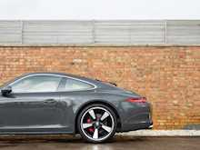 Porsche 911 (991) 50th Anniversary Edition - Thumb 25