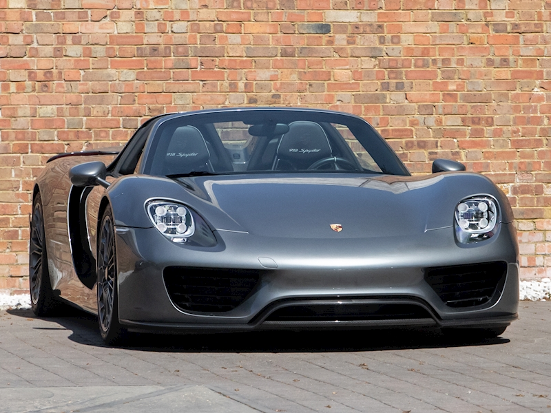 918  Convertible 4.6 Automatic Petrol