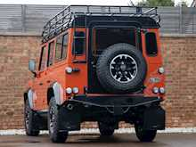 Land Rover Defender 110 Adventure Edition - Thumb 2