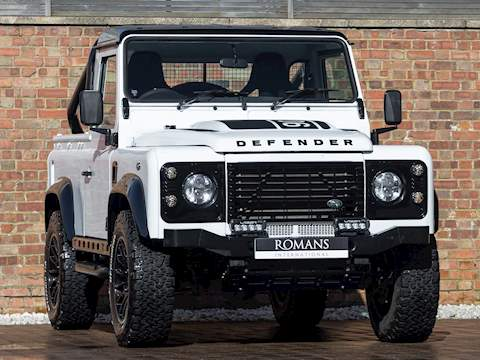 Land Rover Defender Bowler Edition Unknown