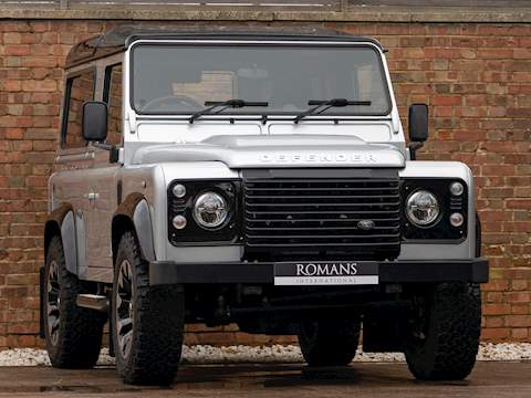 Land Rover Defender 90 Works V8 70th Edition