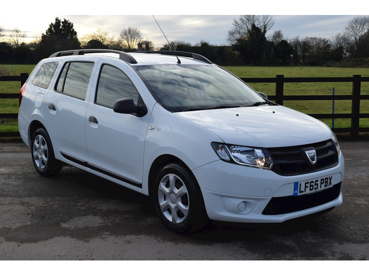 Dacia Logan Mcv Ambiance Tce Estate 0.9 Manual Petrol