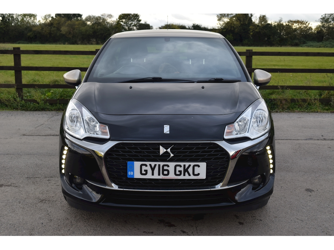 Ds 3 Puretech Elegance S/S Hatchback 1.2 Manual Petrol
